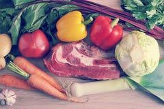 Gemüsesuppen-Sammlungsfleisch - Kartoffeln, Tomaten, Karotten, GA Stockbilder
