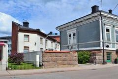 Gemütliche Straße in Hamina, Finnland Lizenzfreie Stockbilder