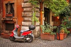 Gemütliche Straße in Rom Lizenzfreies Stockfoto