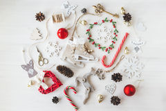 Gemütliche Weinlese tonte Winterurlaube Weihnachtszusammensetzung Stockfotos