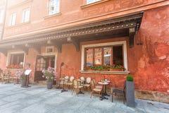 Gemütliches Café im Freien Stockfotos
