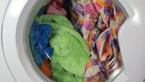Gem av för tvagningmaskin för hög effektivitet som en tvätteri för tvagning för laddare för sida startar upp når att ha varit stä lager videofilmer