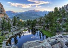 Gem Lake und sehnt sich Höchstsonnenuntergang stockbild