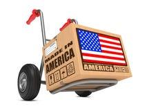 Gemaakt in de V.S. - Kartondoos op Handvrachtwagen. Stock Foto