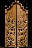 Gemaakt van hout, verfraaid houtsnijwerk Stock Foto