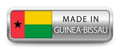 GEMACHT IN GUINEA-BISSAU metallischem Ausweis mit der Staatsflagge lokalisiert auf weißem Hintergrund vektor abbildung