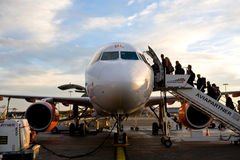 Gemakkelijke Jet die op land wordt geplakt Stock Afbeeldingen