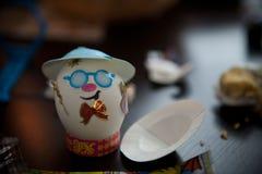 Gemalt mit Gesicht Ostereiern Stockfotografie