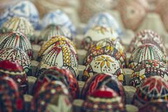 Gemalte dekorative Ostereier Stockfotos