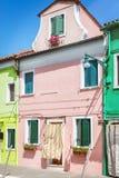 Gemalte Häuser in Venedig stockfoto