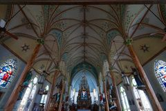 Gemalte Kirche in den hohen Hügeln Texas stockfotografie