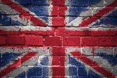 Gemalte Staatsflagge von Großbritannien auf einer Backsteinmauer stockfoto