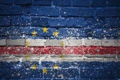 Gemalte Staatsflagge von Kap-Verde auf einer Backsteinmauer Lizenzfreie Stockbilder