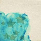 Gemalter blauer Aquarellhintergrund auf braunem Papier Stockfotografie