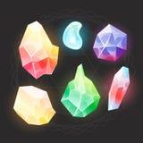 Gemas de hadas de la historieta e iconos de los diamantes fijados Ejemplo de un sistema de piedras de gemas, de minerales y de jo ilustración del vector