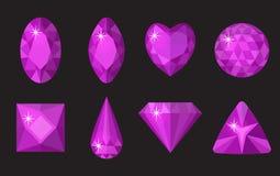 Gemas púrpuras fijadas Joyería, colección de los cristales aislada en fondo negro Piedras preciosas de diversas formas, corte stock de ilustración