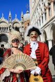 Gemaskeerde uitvoerders in Venetië Carnaval royalty-vrije stock afbeeldingen