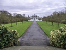 Gematigde de Tuinenrestauratie van Huiskew Stock Afbeeldingen