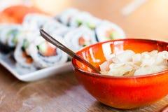 Gember (Gari) en Maki Sushi royalty-vrije stock fotografie