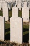 Gemeenschappelijk graf van vier onbekende militairen, Tyne Cot-begraafplaats, België Stock Afbeeldingen