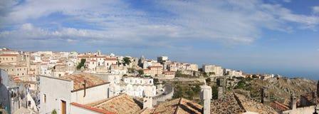 Gemeenschappelijk panorama van Monte Sant 'Angelo Foggia Italy royalty-vrije stock fotografie