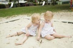 gemelli della ragazza Fotografie Stock Libere da Diritti