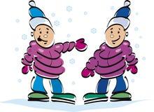 gemelli e neve felici dei bambini Immagine Stock Libera da Diritti
