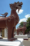 Gemelo de las estatuas del león de Singha Imagen de archivo