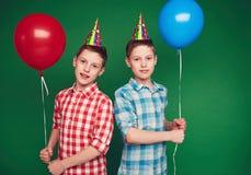 Gemelos del cumpleaños Fotos de archivo
