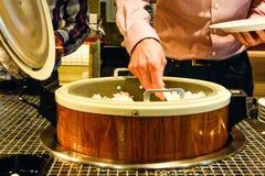Gemengd Aziatisch voedsel bij het restaurant buffé royalty-vrije stock foto's