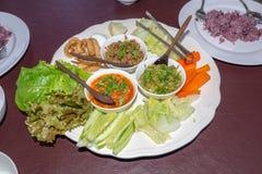 Gemengd van Thais Chili Set met Varkensvleessnack en Groente voor een maaltijd Stock Fotografie