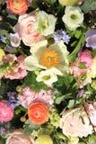 Gemengde bruids regeling Stock Afbeelding