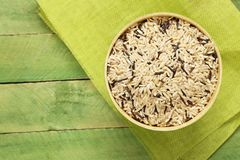 Gemengde bruine en zwarte wilde rijst Stock Foto