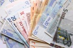 Gemengde euro nota's stock foto