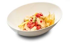 Gemengde fruitsalade in de kom Royalty-vrije Stock Afbeeldingen
