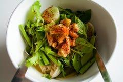 Gemengde groente in Thaise noedelsalade Stock Fotografie