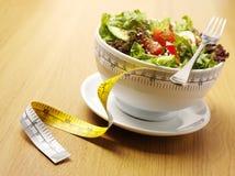 Gemengde salade in een kom Stock Afbeeldingen