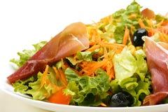 Gemengde salade op plaat Stock Afbeeldingen