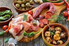 Gemengde Spaanse tapas stock foto