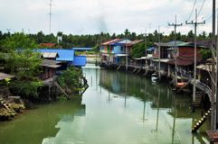Gemenskap längs kanalen Arkivfoton