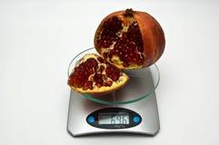 Gemiddeld gewicht van granaatappel. Stock Afbeelding