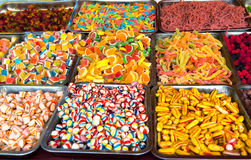 Gemischte bunte Frucht-Bonbons und Geleebonbone Stockbild