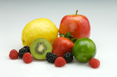 Gemischte reife frische Frucht lizenzfreies stockfoto