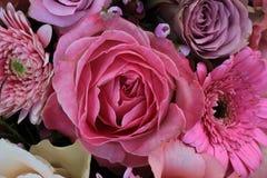 Gemischte rosa Hochzeitsblumen Lizenzfreie Stockbilder