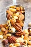 Gemischter Nuts gesunder Snackabschluß oben lizenzfreies stockfoto
