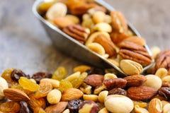 Gemischter Nuts gesunder Snackabschluß oben Lizenzfreie Stockfotos