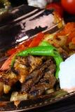 Gemischter türkischer Kebab auf Aufsteckspindeln Stockbild