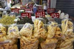 Gemischtwarenladen in Chinatown Bangkok stockfoto