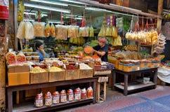 Gemischtwarenladen in Chinatown Bangkok stockfotografie