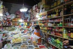 Gemischtwarenladen in im Stadtzentrum gelegenem Shanghai Stockfotos